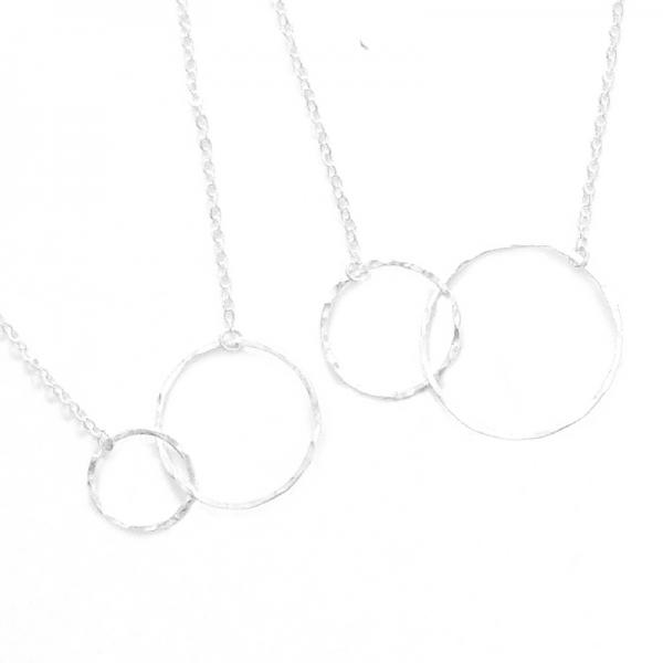 interlocking hammered hoop necklace