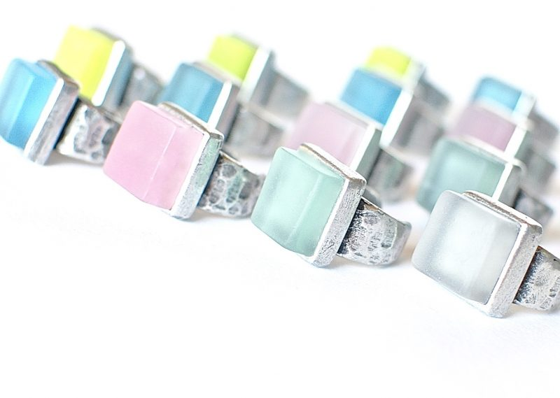 Recycled glass rings by reVetro